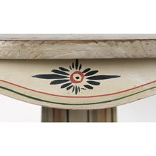 PAINT-DECORATED AMERICAN PEDESTAL TABLE WITH TOLEWARE STYLE DECORATION AND GAMEBOARD-LIKE GRAPHICS, 1830-1840, NORTHERN NEW ENGLAND ORIGIN