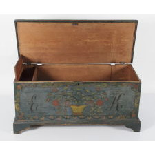 SCHOHARIE COUNTY, NEW YORK STATE BLANKET CHEST, 1820-30