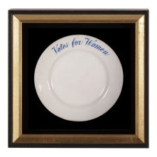 """IRONSTONE PLATE WITH """"VOTES FOR WOMEN"""" TEXT, MADE JOHN MADDOCK & SONS FOR SUFFRAGIST AVA BELMONT FOR MARBLE HOUSE, HER FAMOUS ESTATE IN NEWPORT, RHODE ISLAND, CA 1914"""